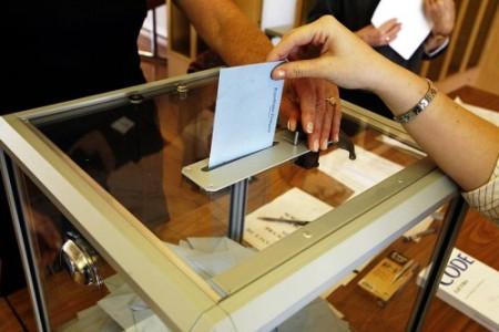 gente votando